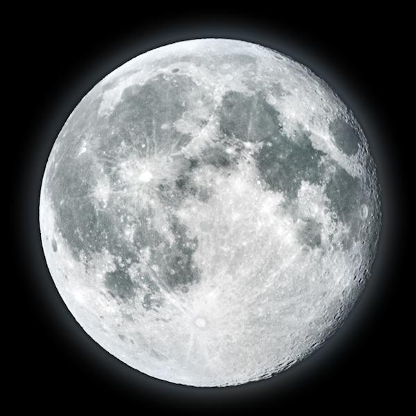 Encuentran nuevas evidencias de agua en el interior de la Luna